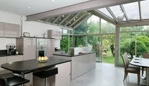 cuisine sous veranda cuisine moderne ouverte sur le jardin modèle rive droite