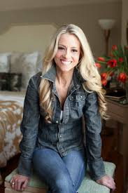 Home Makeover Tv Shows Nicole Curtis Host Of Hgtv U0027s Rehab Addict Will Be At The Fresno