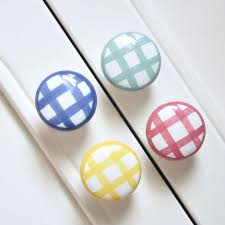 Porcelain Knobs For Kitchen Cabinets Best 25 Ceramic Knobs Ideas On Pinterest Furniture Knobs