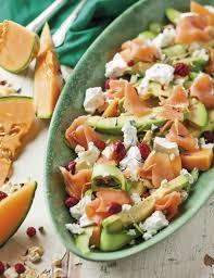 salm cuisine spanspekslaai met salm avokado en fetakaas food