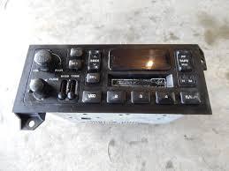 jeep chrysler dodge plymouth jeep chrysler radio am fm cassette p04858556ac