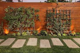 Fence Ideas For Small Backyard backyard fence ideas crafts home