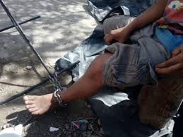 Movimientos Encadenados Mayo 2011 - liberan a tres niã os encadenados de los pies en la sm 242 â noticaribe