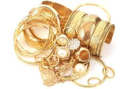how to clean your gold jewellery