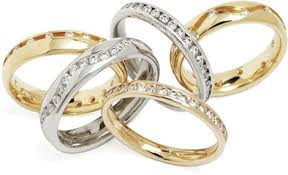 wedding rings uk tips on choosing your wedding rings hitched co uk