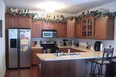 top kitchen cabinet decorating ideas decorating kitchen cabinets decorating ideas for above