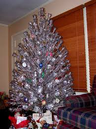 aluminum christmas tree 1960 s aluminum christmas trees christmas tree