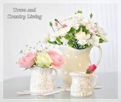 White Roses In A Vase Tips For Arranging Fresh Flowers Town U0026 Country Living
