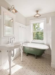 Flooring Ideas For Small Bathrooms by Best 20 Victorian Bathroom Ideas On Pinterest Moroccan Bathroom