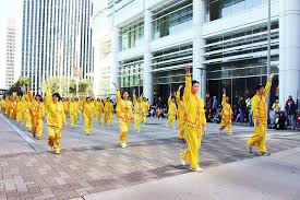 houston local falun gong joins the h e b thanksgiving day