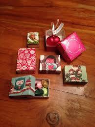 christmas boxes how to make christmas gift boxes snapguide
