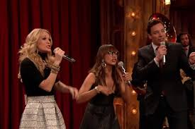 carrie underwood and rashida jones perform medley