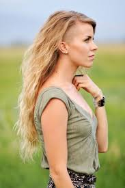 Half Shaved Hairstyles Girls by Best 25 Long Shaved Hairstyles Ideas Only On Pinterest Shaved