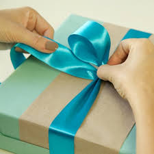 tie ribbon how to tie the bow in gift wrapping means