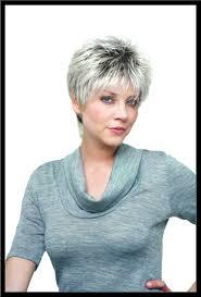 coupe cheveux gris coupe courte femme cheveux gris