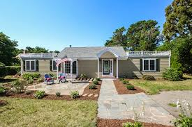 cape cod realtor terri morris robert paul properties