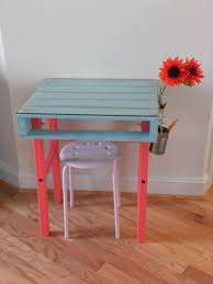 How To Build A Desk From Scratch 19 Diy Pallet Desks U2013 A Nice Way To Save Money And To Customize