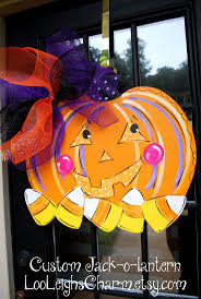 halloween door ideas 647 best halloween wreaths images on pinterest halloween ideas