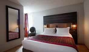 dans la chambre d hotel chambre d hotel familiale 4 personnes hôtel kyriad belfort