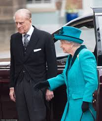 Queen Elizabeth Purse The Queen And Prince Philip Visit Leicester Cathedral Daily Mail
