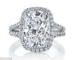 10 karat diamond ring zoe flashes the dazzling 10carat diamond ring she received
