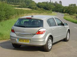 vauxhall astra hatchback review 2004 2010 parkers