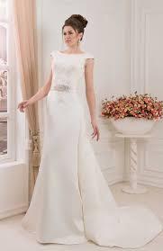 robe de mari e satin robe de mariée satin et dentelle ceinture bijou traîne amovible
