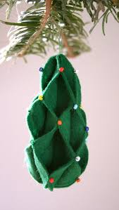 56 original felt ornaments for your tree digsdigs