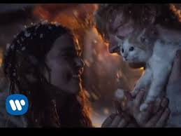 ed sheeran perfect video actress ed sheeran dances in the snow and cuddles a kitten in perfect video