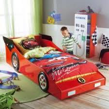 chambre enfant formule 1 meuble chambre d enfant le lit voiture pour enfant une imitation