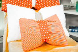 how to home u0026 family diy bow pillows hallmark channel