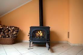 file good woodburning stove jpg wikimedia commons