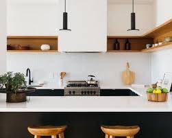 taille moyenne cuisine taille moyenne cuisine best cette photo montre une terrasse avec