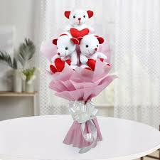 bouquet of teddy flower n petals