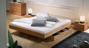 Kleines Schlafzimmer Nur Bett Uncategorized Podest Bauen Fr Bett Funvit Schlafzimmer Im Wald