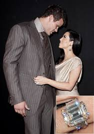 Kim K Wedding Ring by Kris Humphries Reportedly Plans To Auction Kim Kardashian U0027s