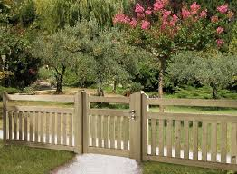Small Garden Fence Ideas Wooden Garden Fence Best 25 Wooden Fence Ideas On Pinterest Wood