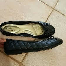 Comfort Flat Shoes 80 Off Dexflex Comfort Shoes Quilted Patent Cap Toe Flat With