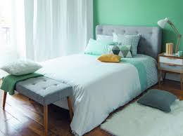 deco chambre vert chambre vert kaki mobilier décoration