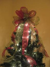 christmas tree topper bow tuorial tree toppers christmas tree