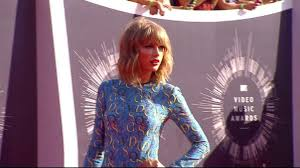 photos celebrity wardrobe malfunctions abc news mtv video music awards 2014 vmas attended by the music world s