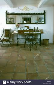 Schreibtisch Lang Und Schmal Country Interiors Halls Domestic Stockfotos U0026 Country Interiors