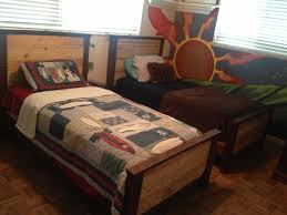 bedroom pallet bench pallet bed kit how many pallets for a queen