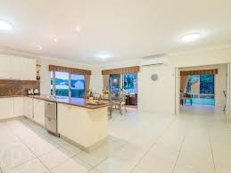 6 hampton close carindale qld 4152 for sale realestateview