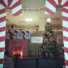 House And Home Christmas Decorating by Office Christmas Cube Decorating Ideas House Christmas Projects