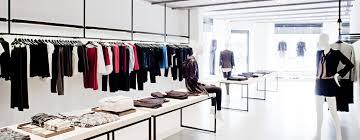 uniqlo graduates uniqlo u careers fast retailing career