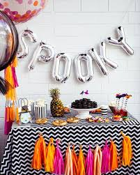 Scary Halloween Decorations For A Party by Best 25 Halloween Balloons Ideas On Pinterest Spider Balloon
