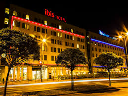 Motel 6 We Ll Leave The Light On For You Hotel Ibis Budget Krakow Stare Miasto
