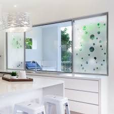 stickers fenetre cuisine sticker occultant pour vitre et fenêtre bulles