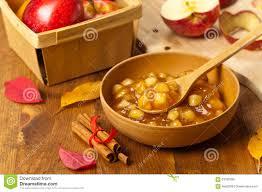 hochzeitstorten fã llung apple zimt torten füllung stockfoto bild 63182386